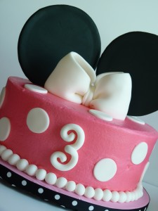 "Minnie Mouse - 10"" round"